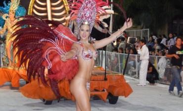 Los carnavales de Santa Elena siguen convocando multitudes