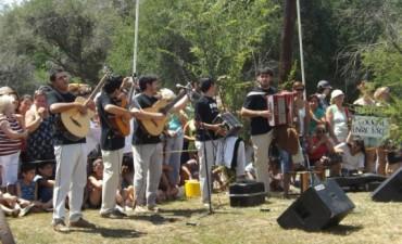 Los entrerrianos en Cosquín, esta noche Alma de Montiel