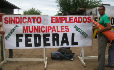 Empleados municipales de Federal en Asamblea por reclamos salariales