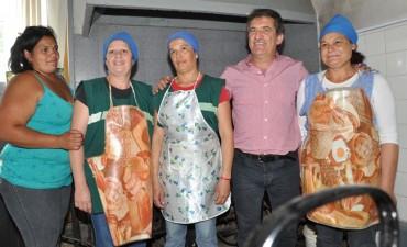 La precarización Laboral de cocineras y ordenanzas en la provincia