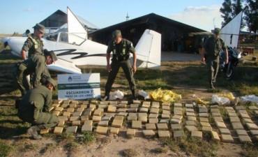 Lucha contra el narcotráfico: reforzarán los controles aéreos y fronterizos