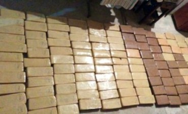 200 kilos de marihuana y 17 de cocaína fueron secuestrado y hay 3 detenidos