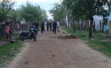 Pedradas e insultos entre vecinos en el barrio El Silvido