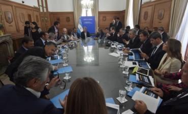 El Gobierno exige a las provincias cambios impositivos y el año arranca con tensión