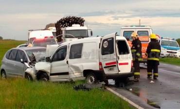 Cuatro personas fallecieron tras tremendo choque frontal sobre Ruta 18