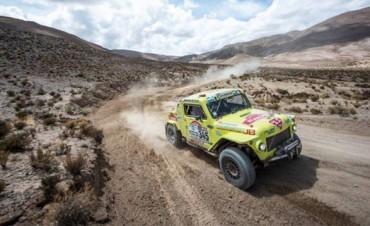 Historias del Dakar: Un Rastrojero de 1966 corre el Rally mas duro del mundo
