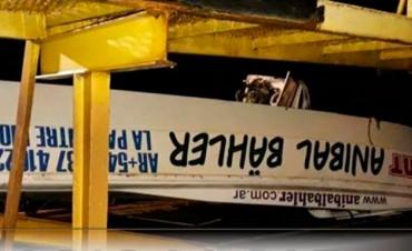 Accidente náutico: Extrajeron del río la embarcación siniestrada