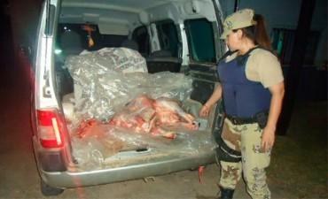 Robó un novillo, lo carneó y se lo llevaba en la camioneta pero lo detuvieron
