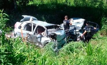 Tres ciudadanos brasileños murieron tras choque frontal en la Ruta Nacional 12