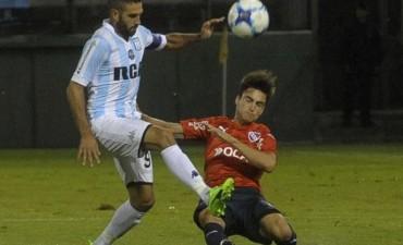 Racing goleó a Independiente y se quedó con el primer clásico del año