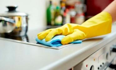 El gobierno aumentó los aportes previsionales del personal doméstico
