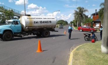 Accidente de tránsito entre camión y una moto