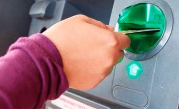 Los bancos vuelven a aumentar hasta casi 60% sus comisiones