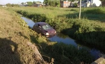 Un auto termino en la Cañada Los Tigres