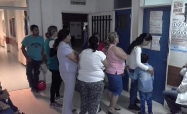 La guardia del Hospital Urquiza colmada de pacientes