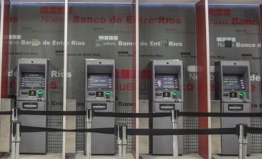 Garantizan la carga de dinero en los cajeros ante la protesta de bancarios