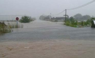 La Autovía Artigas quedó anegada a causas de las lluvias torrenciales