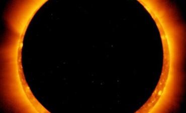 Un anillo de fuego rodeará la luna este domingo
