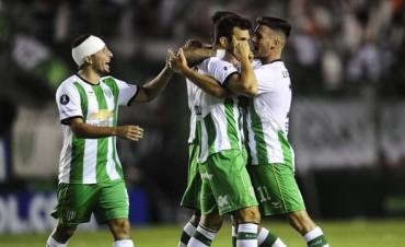 Banfield rescató un empate en el cierre ante Nacional por la Libertadores