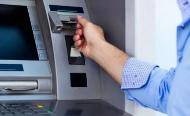 Cuánto te cobra el banco por sacar plata de los cajeros automáticos