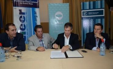 Trabajo en conjunto entre el Colegio de Ingenieros de E.Ríos y el gobierno
