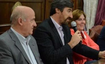 Senador ratificó su pase del massismo al PJ