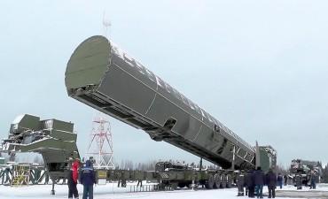 Putin mostró el poderío ruso y presentó armas