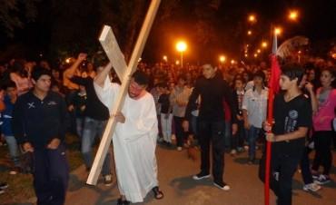 Vía Crucis Viviente con alta participación de fieles en Federal