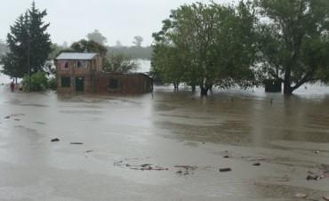 El agua inundó la parte norte del Barrio Centenario