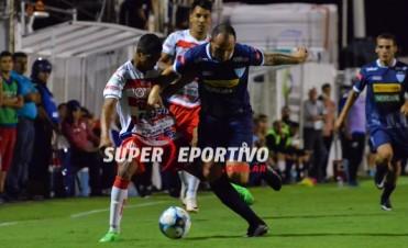 Atlético Paraná igualó como local ante Juventud Unida y complicó su permanencia