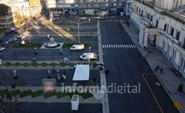 Instalan la carpa docente frente a Casa de Gobierno