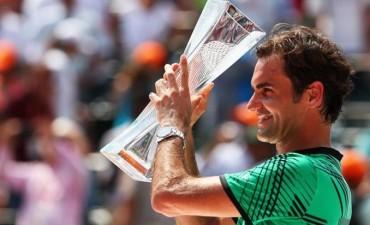 Federer se llevó el primer set ante Nadal en la final de Miami