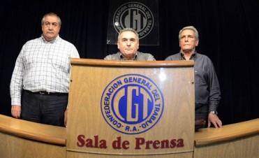 El Gobierno abrió un expediente para invalidar el triunvirato de la CGT