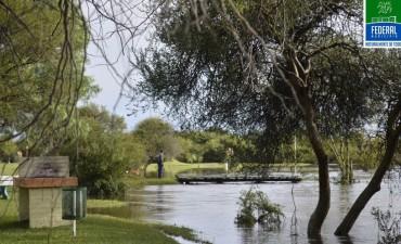 Por desborde del Arroyo Federal cerraron transitoriamente el Camping Municipal