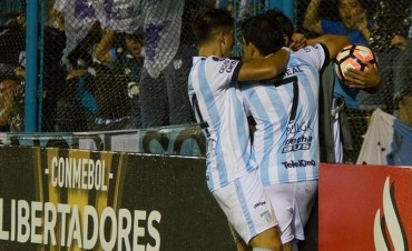 Atlético Tucumán no se rinde y sigue dando pelea