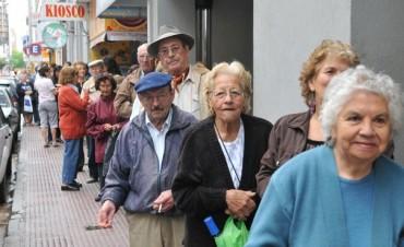Aumento a jubilados provinciales: qué sectores lo perciben con el cobro de abril