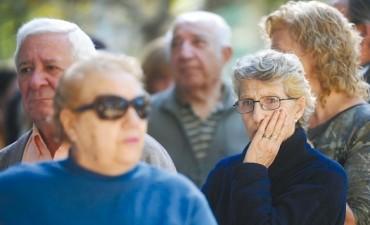 Más de 44 mil jubilados y pensionados provinciales cobrarán con aumento sus haberes de abril