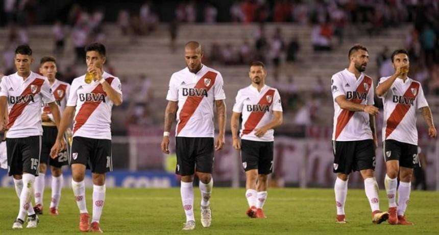 River no pasó del empate con Independiente Santa Fe y se complica