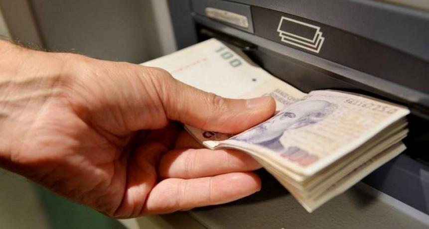 Se oficializó la ley que pone límites al embargo de sueldos