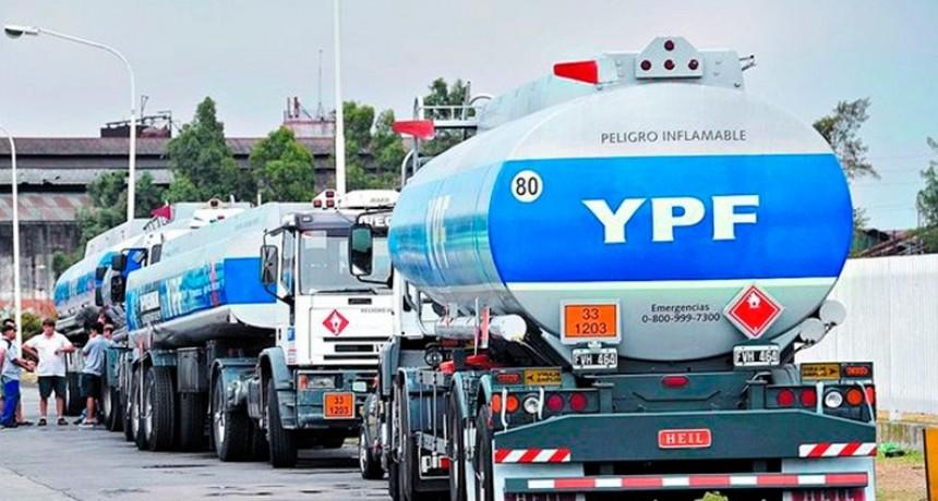 En doce meses, el precio de los combustibles