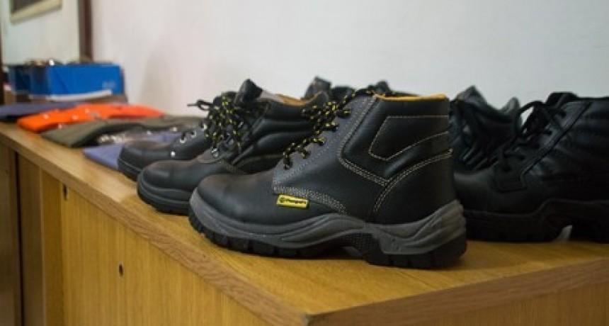 Compra de ropa y calzado para personal de Obras y Servicios Públicos  del Municipio de Bernardi