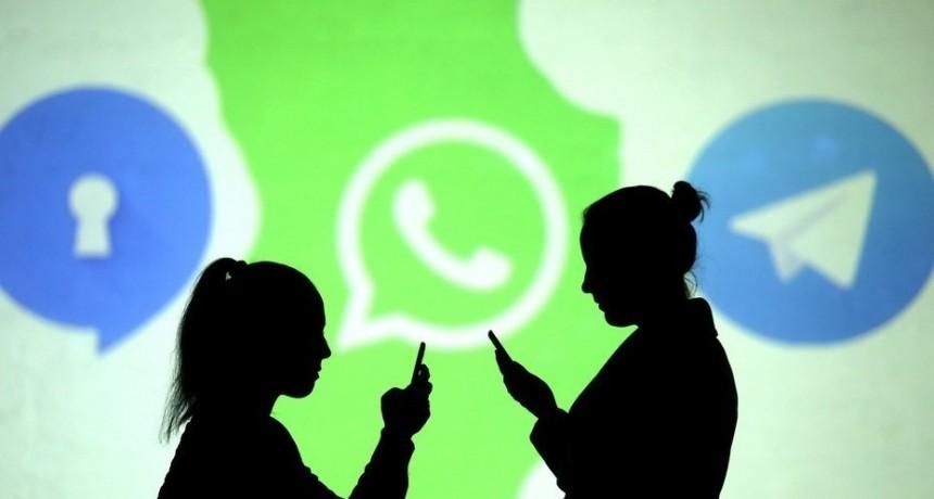 El Banco Central busca que se puedan hacer transferencias mediante whatsapp