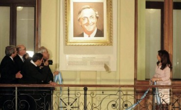 Néstor Kirchner y Hugo Chávez  estan en cuadros en la Rosada
