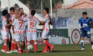 Atlético Paraná le puso fin a una sequía de catorce fechas y salió del último puesto
