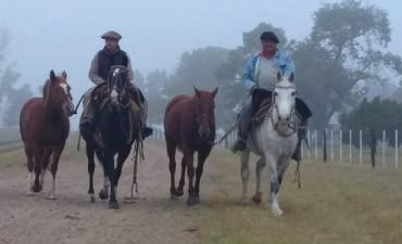 Dos entrerrianos cabalgan hacia Tucumán por el Bicentenario de la Independencia