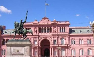 Para bajar el gasto, el Gobierno prepara una reestructuración del Estado después de octubre