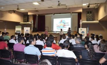PROFESORES Y ESTUDIANTES DE EDUCACIÓN FÍSICA PARTICIPARON DE UNA CAPACITACIÓN GRATUITA