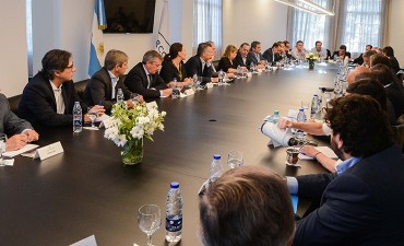 Gobierno con salarios de ricos El gabinete tendrá suba salarial de 20%: Cuánto cobran Macri y sus funcionarios