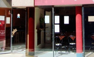 Cerró un céntrico hotel de Parana : Empleados se enteraron cuando fueron a trabajar