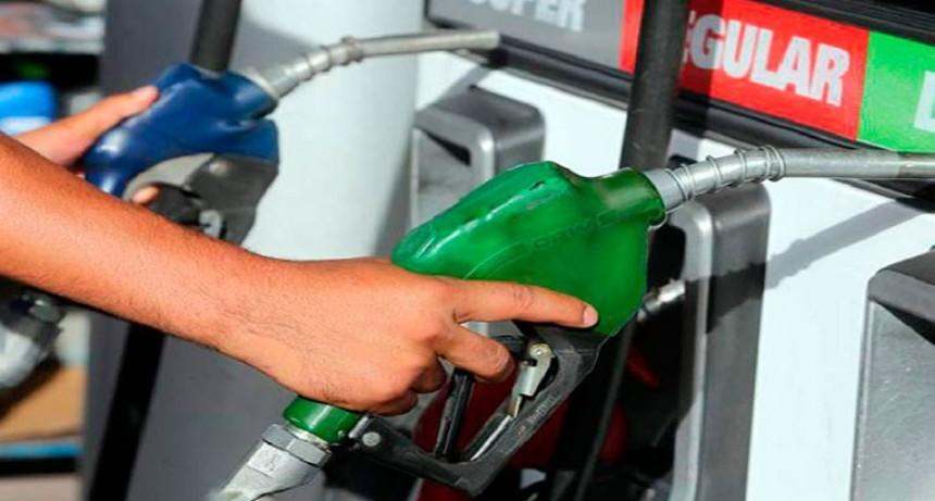 Expendedores dicen que los combustibles deberían estar 20% más caros